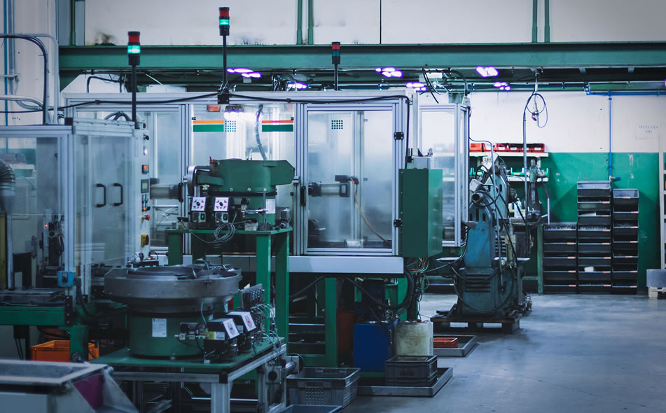 Machines pour la production de pièces en métal par décolletage et usinage